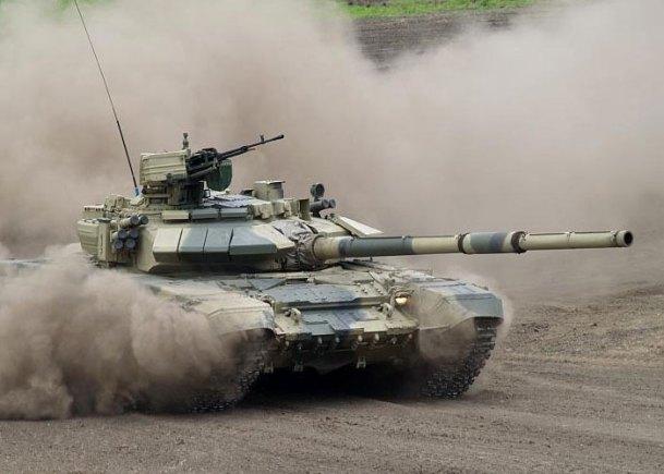 """ОБТ Т-90, изображенный на футболке """"Танковые войска"""""""