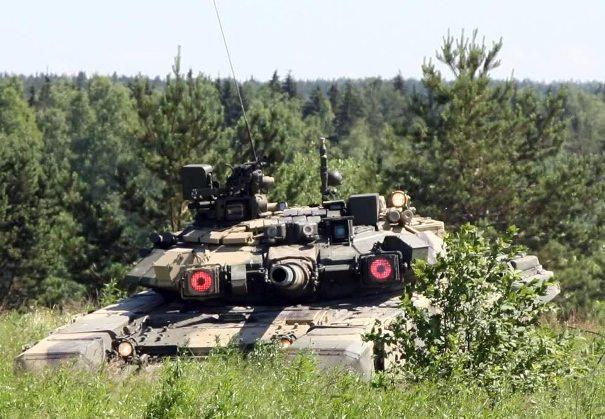 Атрибутика с символикой танка Т-90 - хороший подарок для тех, кто служил на этой боевой машине