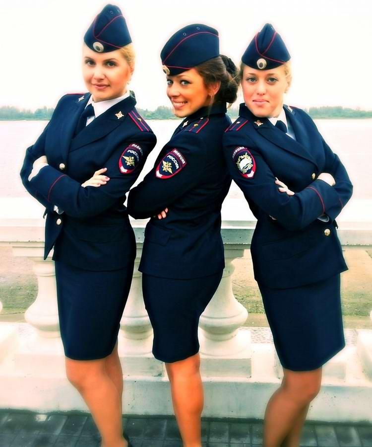 фото женщины в униформе