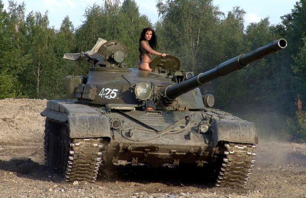 Жены танкистов понимают службу своих мужей