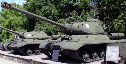 Тяжелые советские танки ИС-2