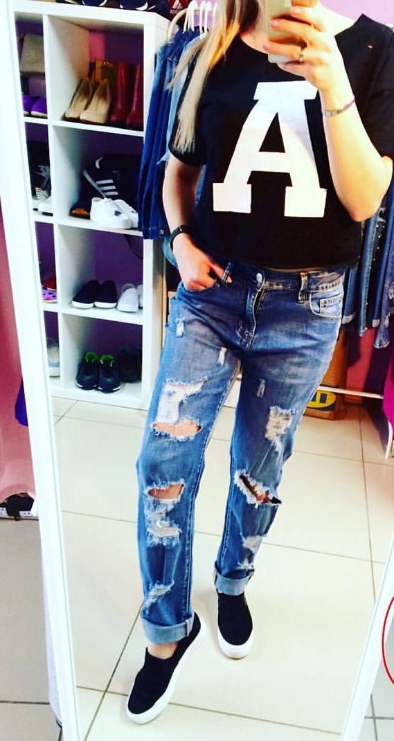 b47c2b19c637 Молодежную женскую одежду можно найти в шоу-руме «Вишня 22». Здесь  представлена богатая коллекция трендовых вещей, с помощью которых можно  подобрать ...