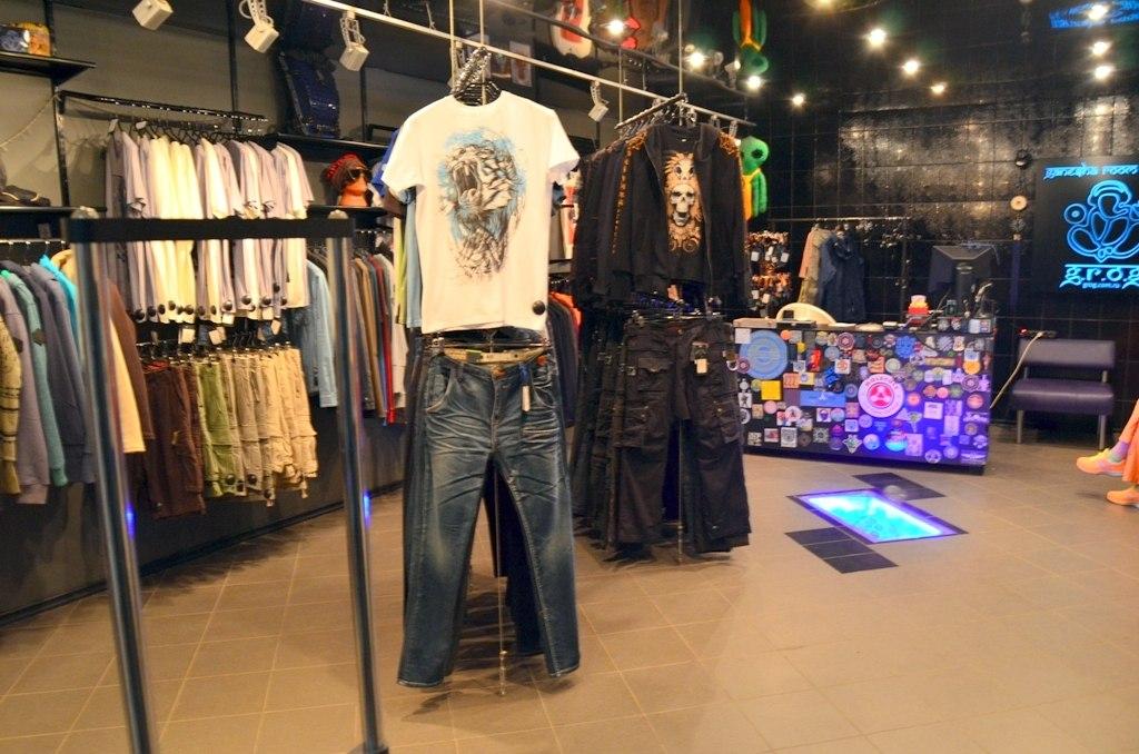 c165c7dcff23 Большой обзор магазинов недорогой брендовой одежды в Рязани. Сравнение цен,  каталогов товара, скидок, акций и распродаж одежды. Вещевые рынки в Рязани,  ...