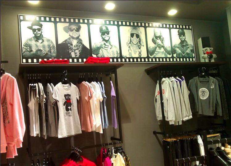 23315ac427ec Лучшие магазины одежды в Уфе, дисконты, распродажи, скидки и акции. Обзор  мест, где в Уфе можно купить недорогую мужскую и женскую одежду.