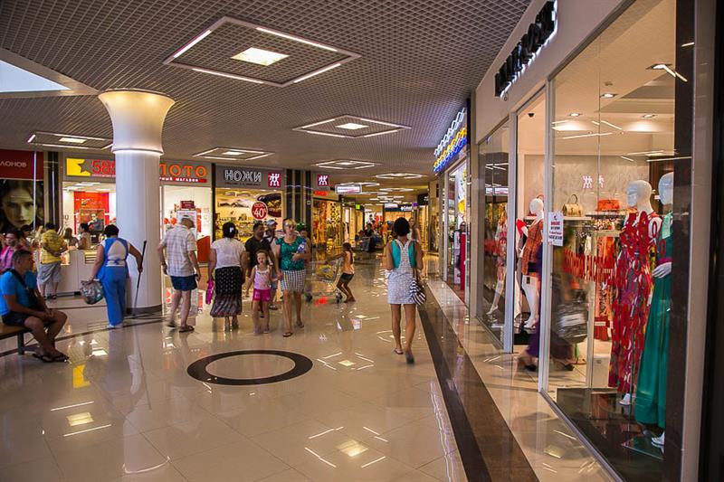 2992ea2ff47a Одежда в Анапе  распродажи, скидки и акции в магазинах популярных брендов